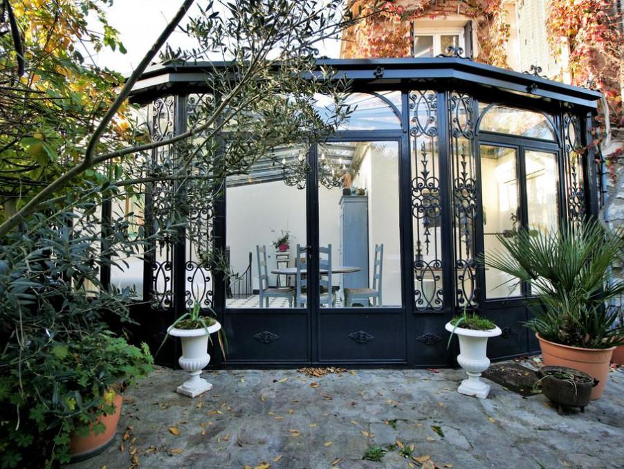Maison de charme fa ade pierres et bow window 6 pi ces for Maison avec bow window