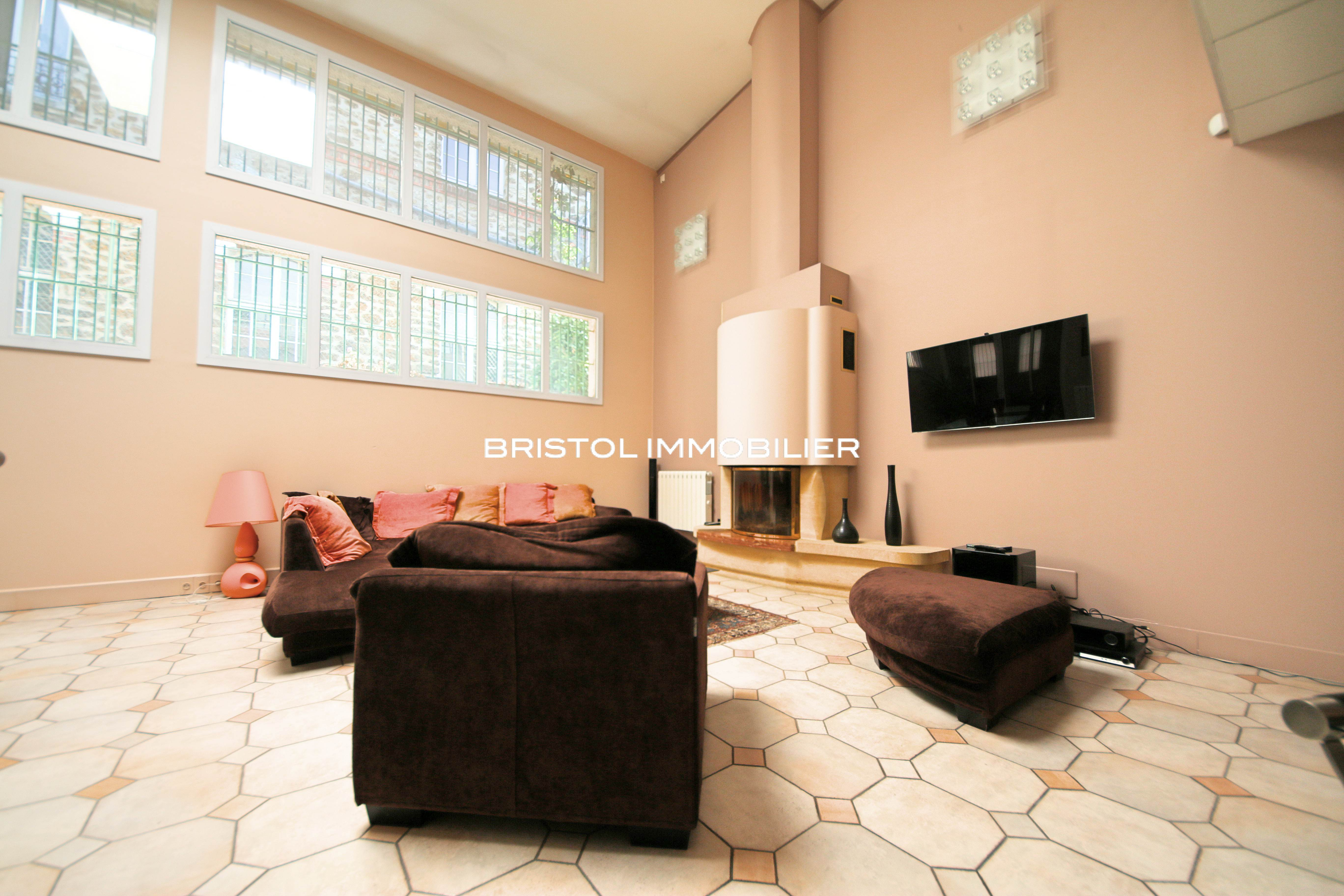 Immobilier romainville 93 annonces immobili res for Appartement atypique romainville