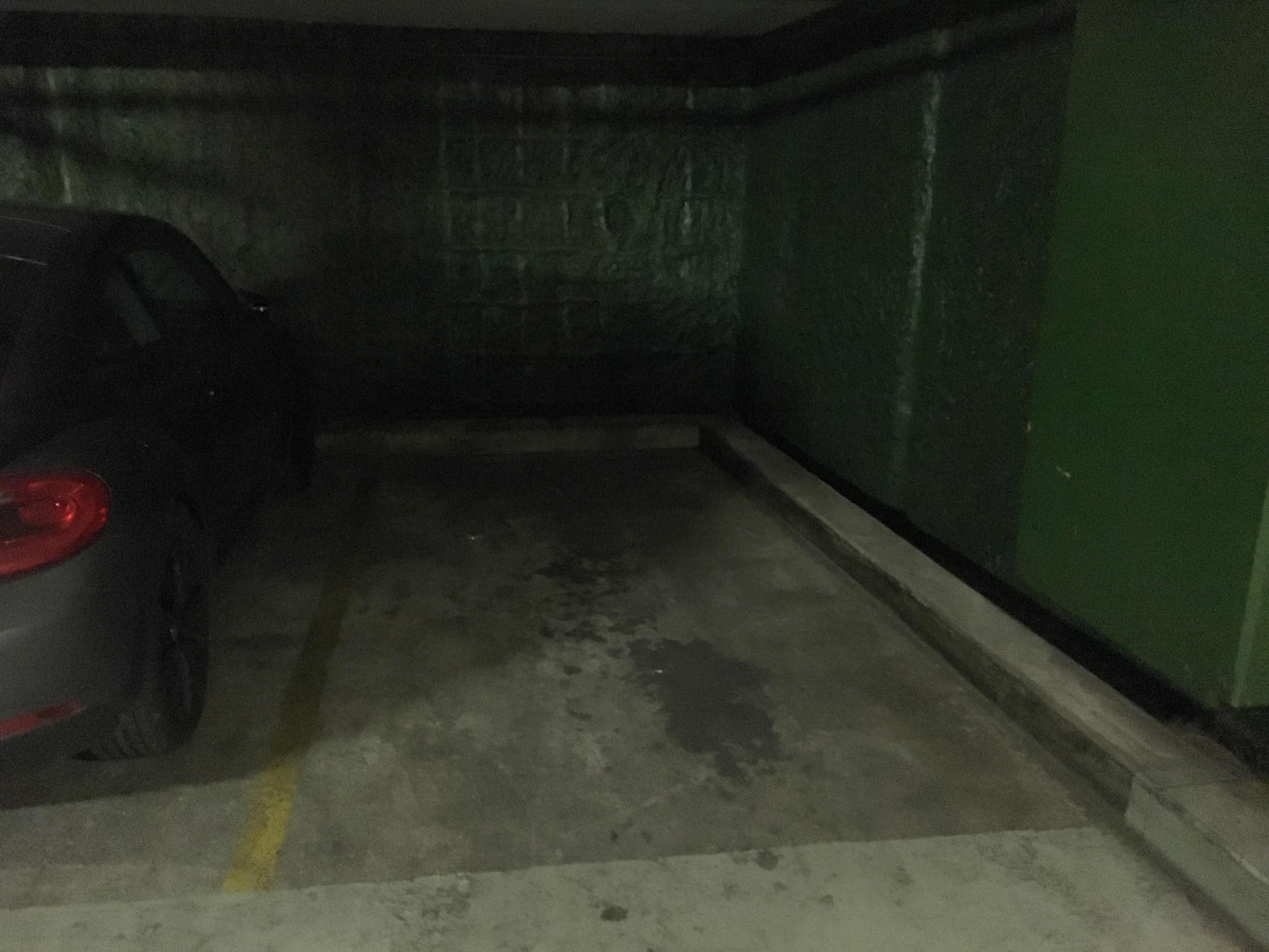 vente garage 75 paris achat parking paris. Black Bedroom Furniture Sets. Home Design Ideas