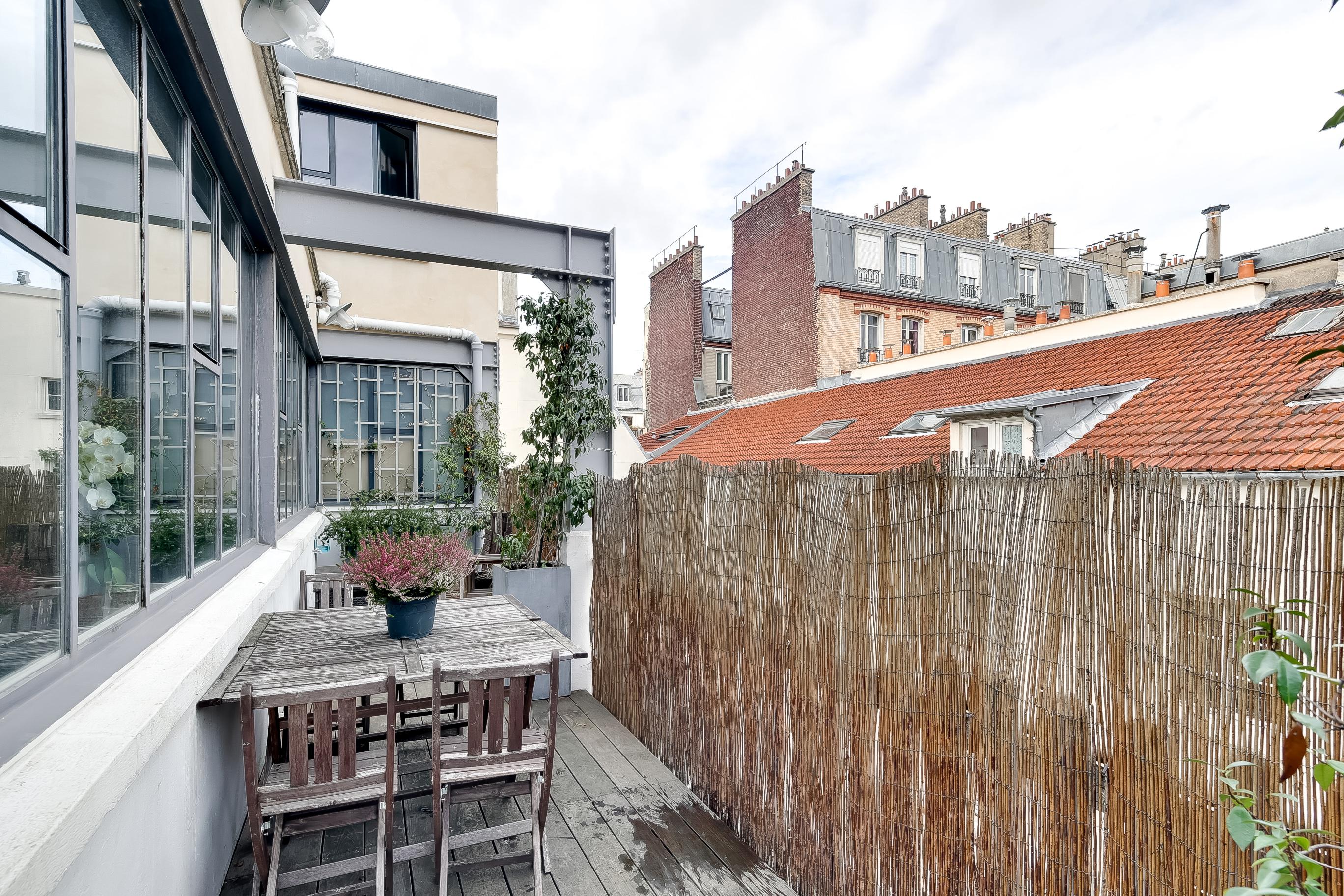 vente appartement paris paris 10eme arrondissement paris 10 entrep t 75010. Black Bedroom Furniture Sets. Home Design Ideas
