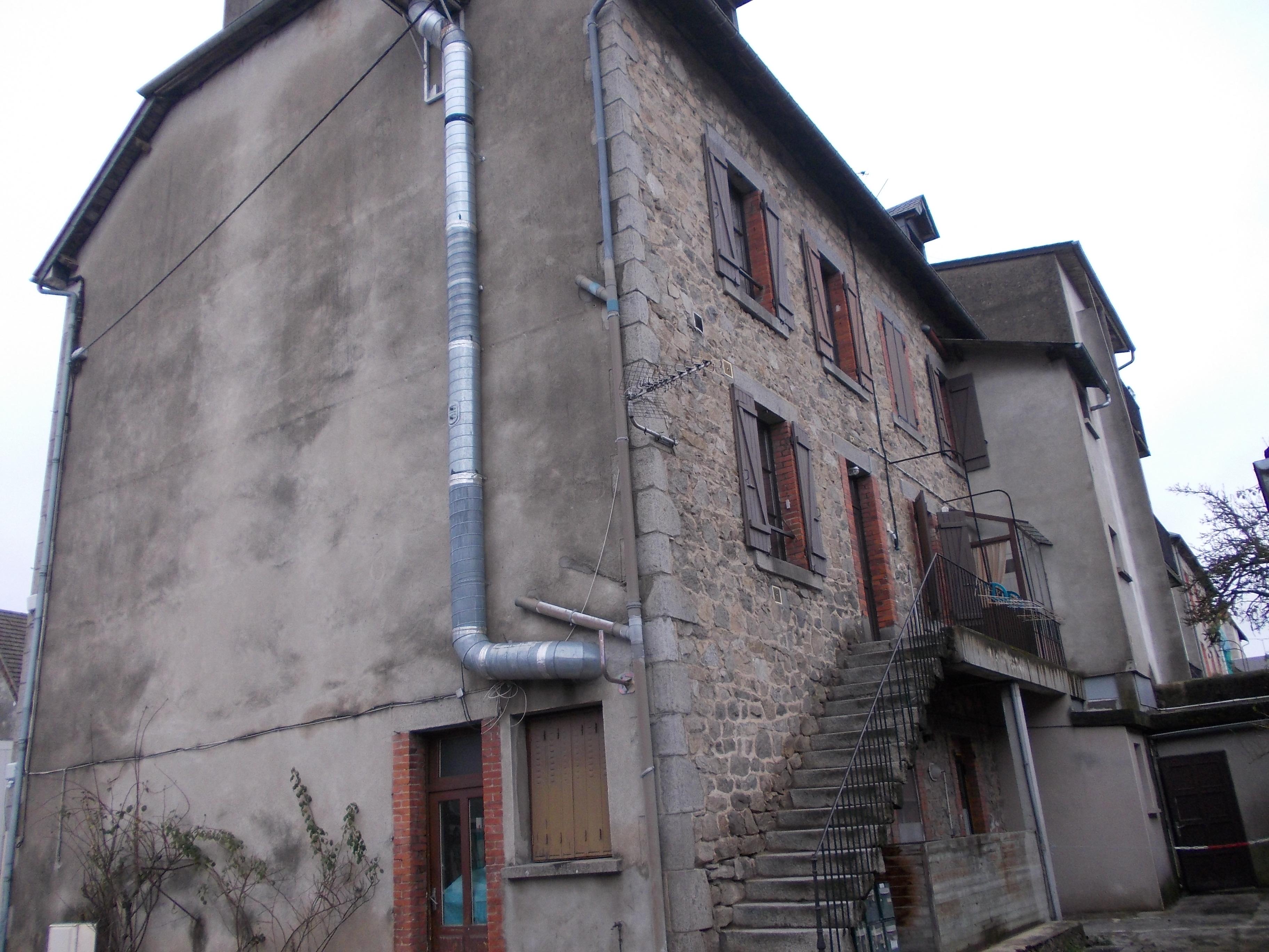 VenteMaison/VillaUSSEL19200CorrèzeFRANCE